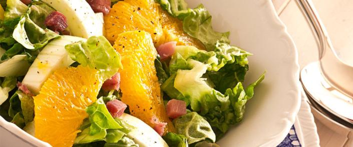 frisk fruktsalat med appelsin og chevre