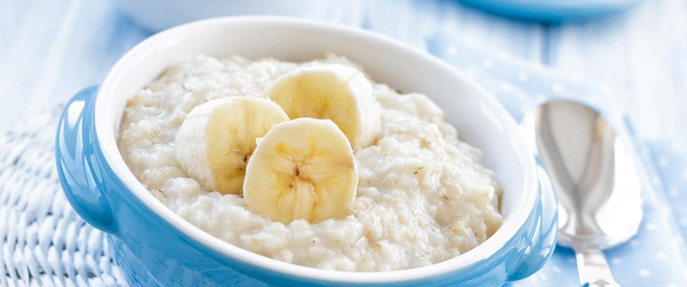 Havregrøt med banan og peanøttsmør